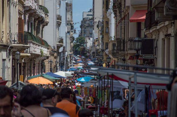 Na Ulicama Buenos Airesa Ljudi PleŠu Tango3 (1)